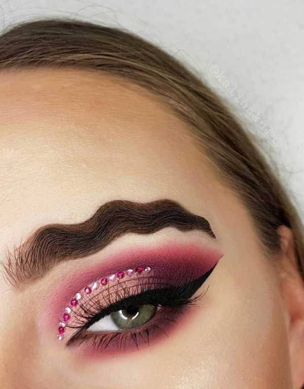 The New Eyebrow Trend Thats Creating Waves