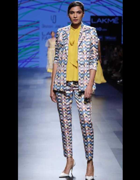 Urvashi Joneja at Lakme Fashion Week SR'17