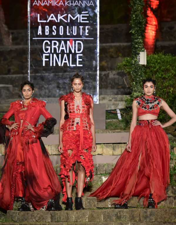 A 'Grand' Grand Finale to Lakme Fashion Week SR'18
