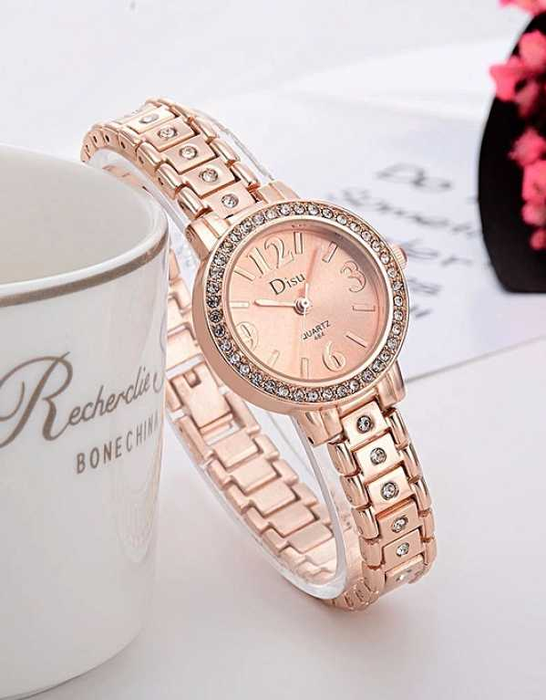 5 cool watches that every girl needs to have in their stash!