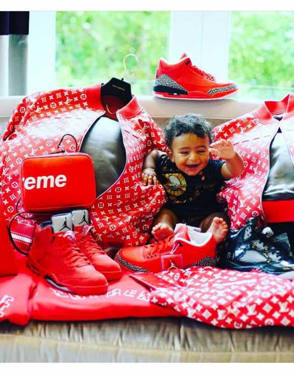 Surrounded by all things Supreme