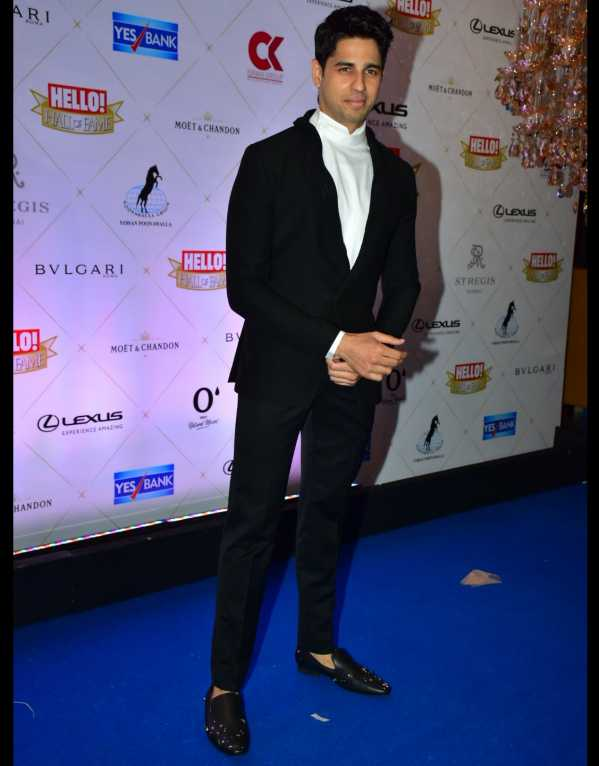 Sidharth Malhotra dressed to the nines in a Gaurav Gupta suit