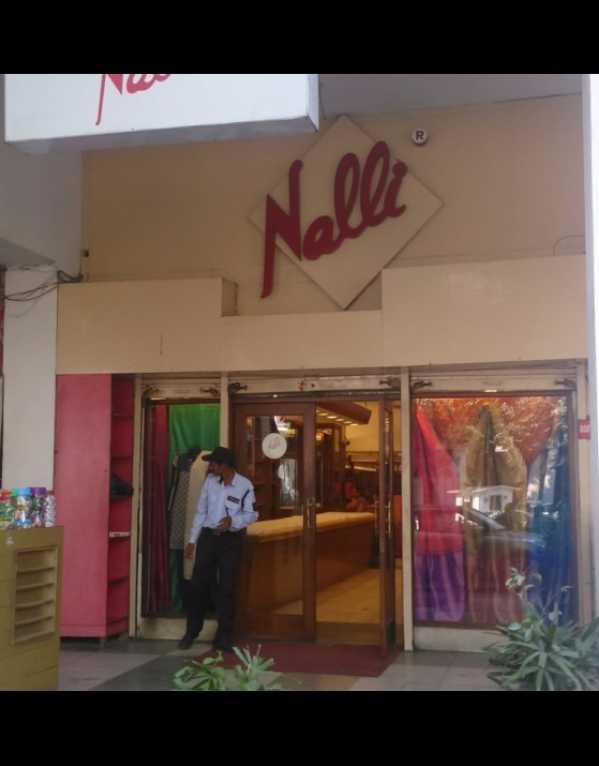 1)Nalli Sarees