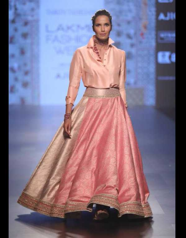Tarun Tahiliani at Lakme Fashion Week SR'17