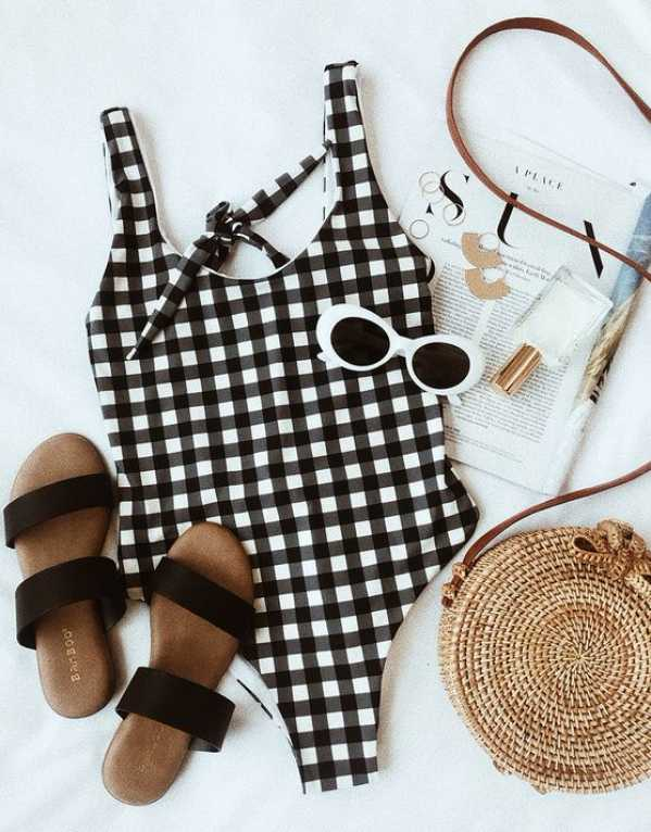 11 Swimsuits Under Rs.4000 to Make You a Stylish Beach Bum