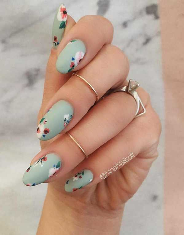 No better way to welcome spring than with blooms. Bunk the pop and give your nails a vintage spin with some pastels