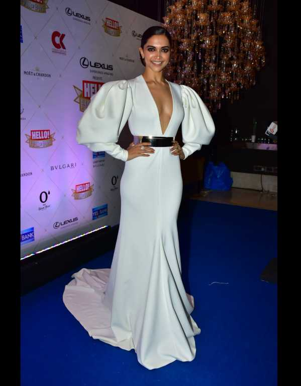 Deepika Padukone nailing yet another red carpet in a Falguni & Shane Peacock trail gown