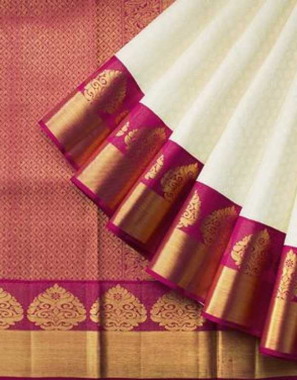 10 Stores in Delhi for the best Banarasi sari