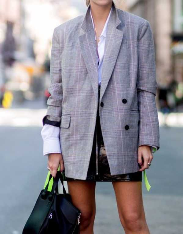 3) Opt for an over-sized blazer