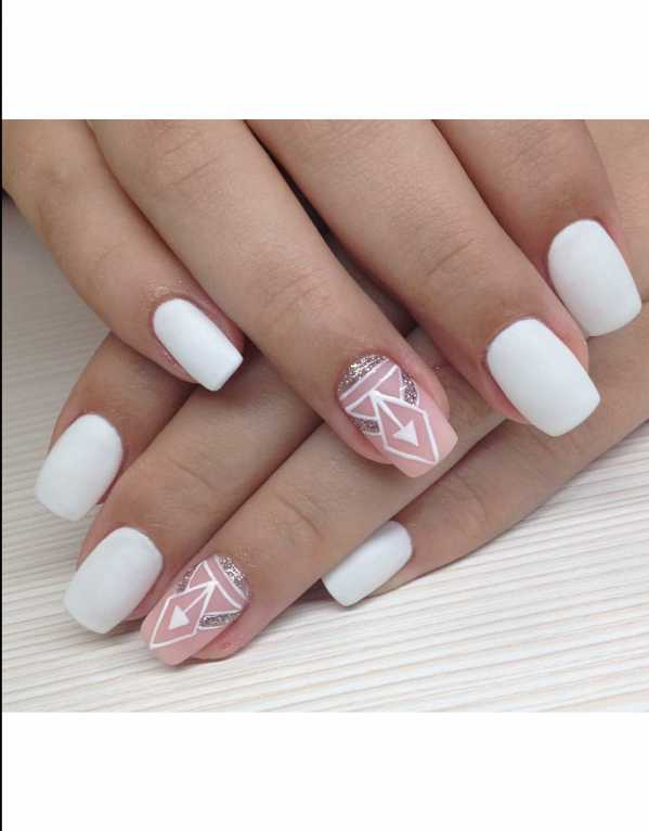 Get artsy with your nails by adding Egyptian-inspired geometrics to your ring finger.