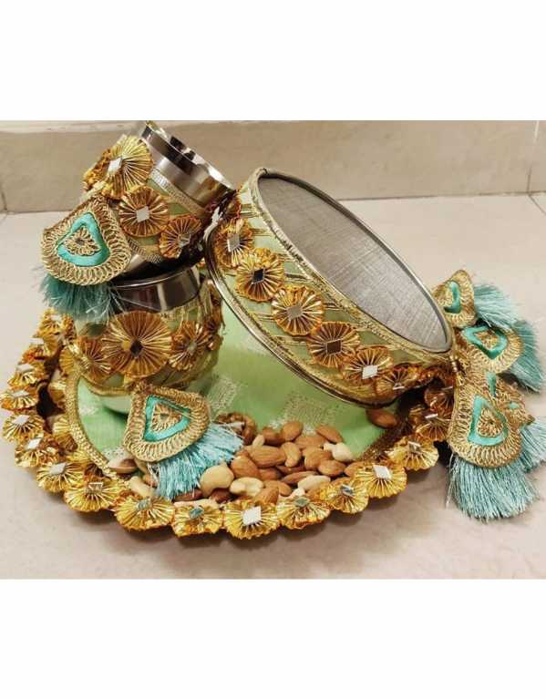 Ornate gota flowers and tassels to make a statement