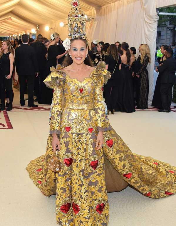 Sarah Jessica Parker in Dolce & Gabbana Alta Moda