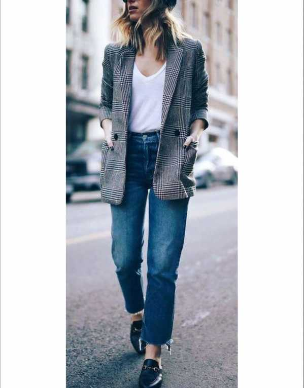 Pair your jeans with a neat winter blazer for a stylish, androgynous take.
