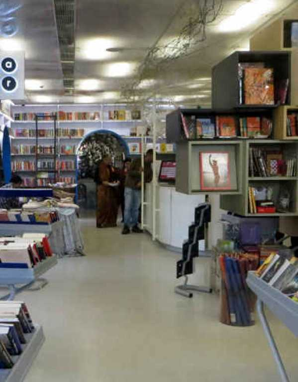 The Best Bookshops In Delhi That Are Perfect For All The Bibliophiles