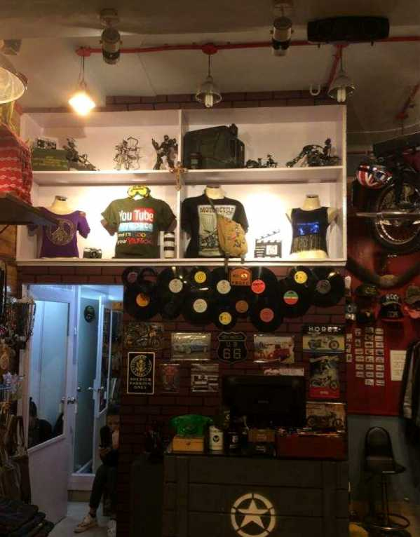 1.De Fashion Garage