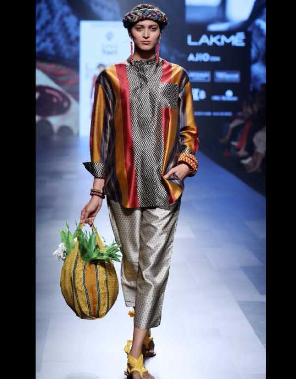 I Was a Sari at Lakme Fashion Week SR'17
