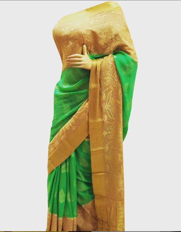 4)	Vineet Saree