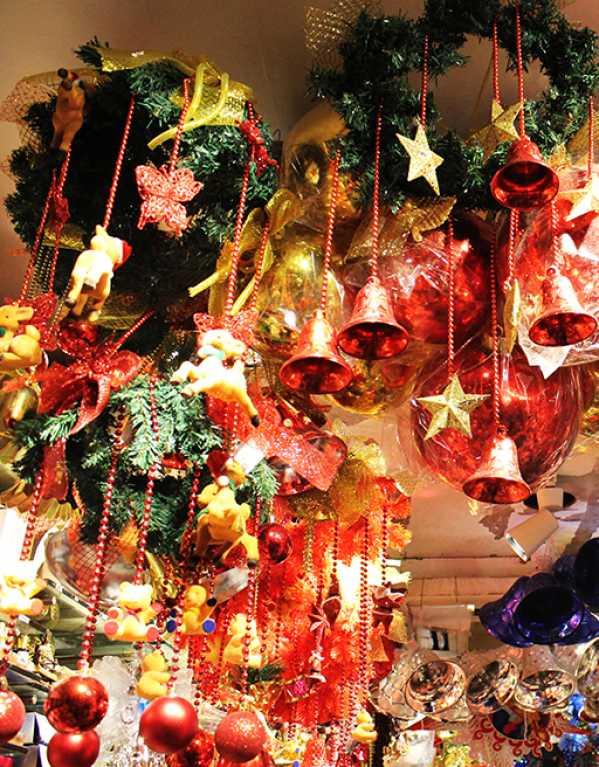 This Market in Delhi has the Best Christmas Decorations