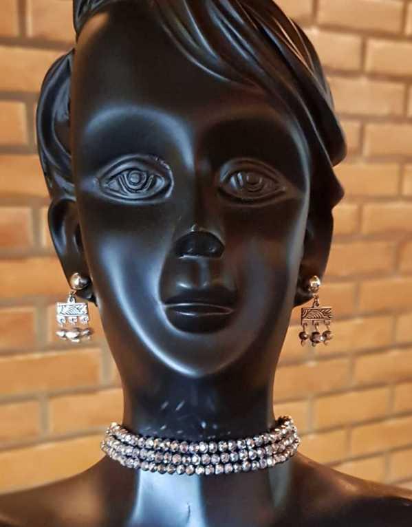 Statement choker necklace jewelry