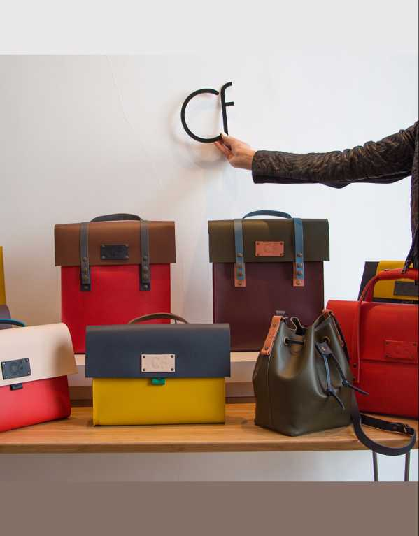 Buy A Bag That You Can Build From Scratch In Genuine Leather And Is Made In Spain